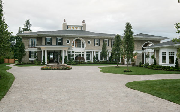 luxury home with expansive driveway
