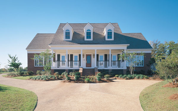 country style house plan with great driveway design