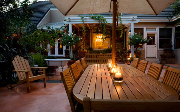 Enjoyable Patio With Cozy Candlelight