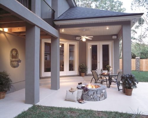 Modern Home Outdoor Living Space