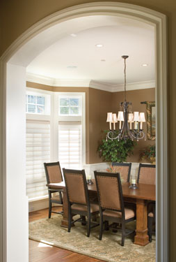 Dining Room With Sunny Bay Window