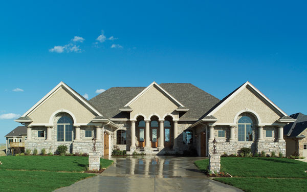 Luxury italian style ranch house for Luxury brick house plans