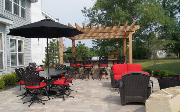 patio with plenty of outdoor dining space